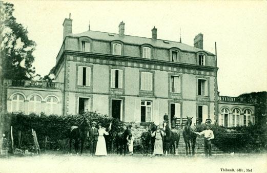 CPA château Trois-Moulins (77)